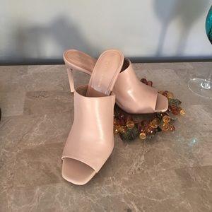 BCBG heels 👡